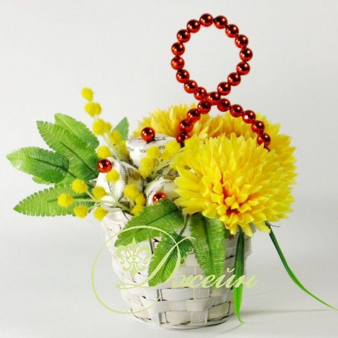 Подарки из цветов на 8 марта своими руками