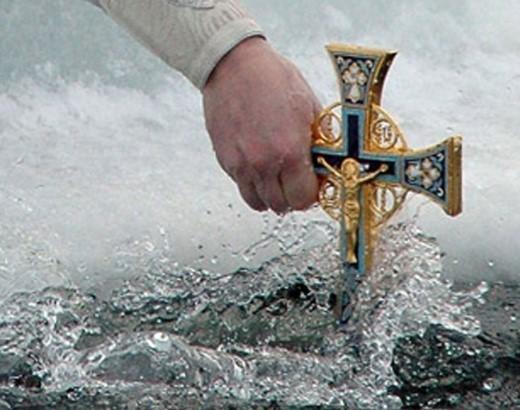 когда купаться в проруби на Крещение 18 или 19 января