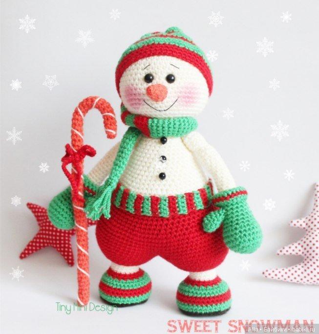 Снеговик вязанный крючком - схема и описание