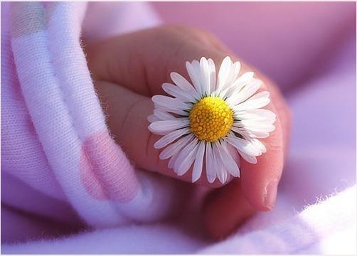поздравить знакомую с рождением ребенка