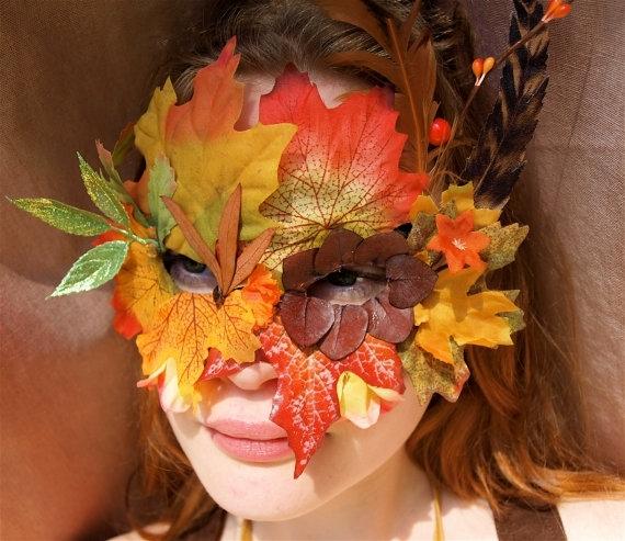Платья на осенний бал из листьев