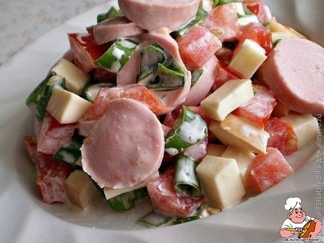 Приготовить салат с колбасой