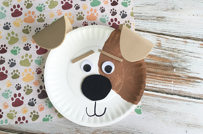 собака из одноразовых тарелок своими руками