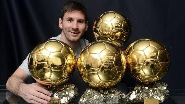 лионель месси с четырьмя мячами