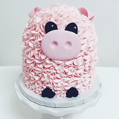 торт в виде свиньи с кремом