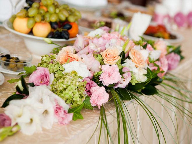 Свадебная композиция на стол молодоженов своими руками