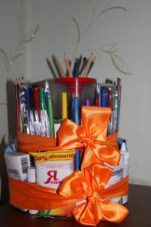 Подарки своими руками для школьников