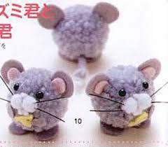 как сделать игрушку из помпонов, как сделать мышку, крысу из помпонов