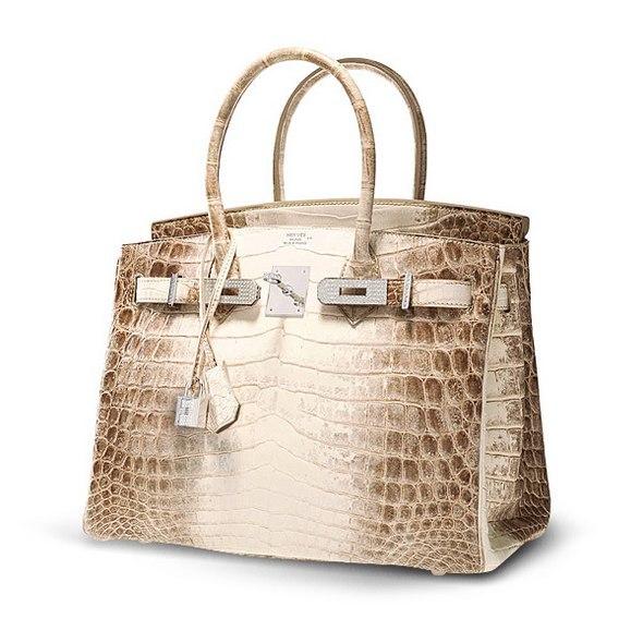 1f8edfd4ec1e Британская актриса и певица Джейн Биркин, в честь которой названа культовая  модель дамских сумок Hermès, попросила компанию прекратить использовать ее  имя ...