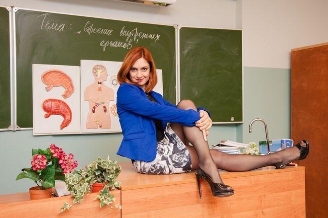 Голая Сара Шахи на эротических фото