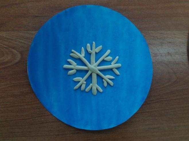 Как сделать снежинку из пластилина