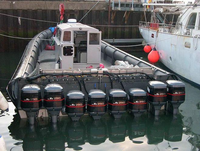 моторы для лодок на борту