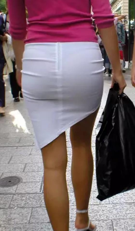 Белая юбка трусики