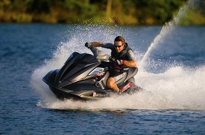 Дрифт на водном скутере