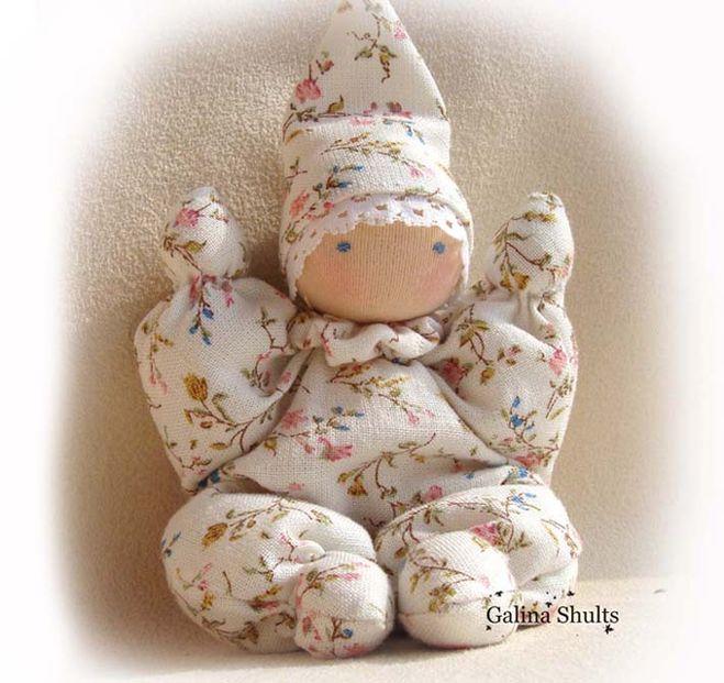 Вальдорфская кукла бабочка