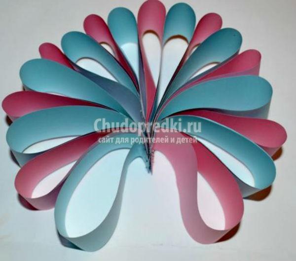 Елочные игрушки из цветной бумаги поэтапно