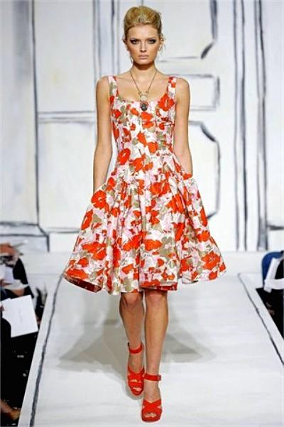 Модные цветные платья