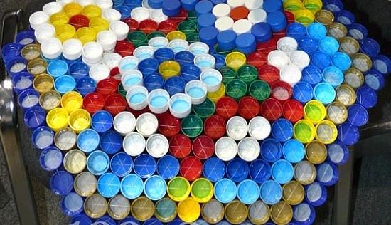 Как сделать коврик из пластиковых крышек от бутылок