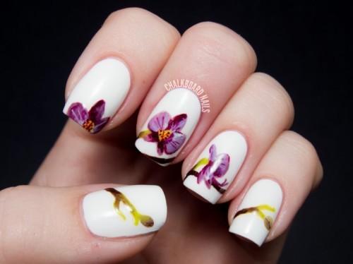 Маникюр с рисунком орхидеями