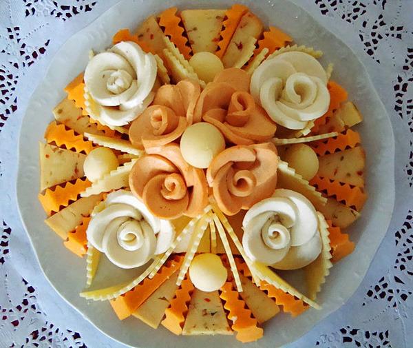 Как сделать красивую нарезку из сыра и колбасы