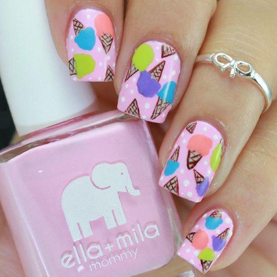 рисунок с мороженым на ногтях