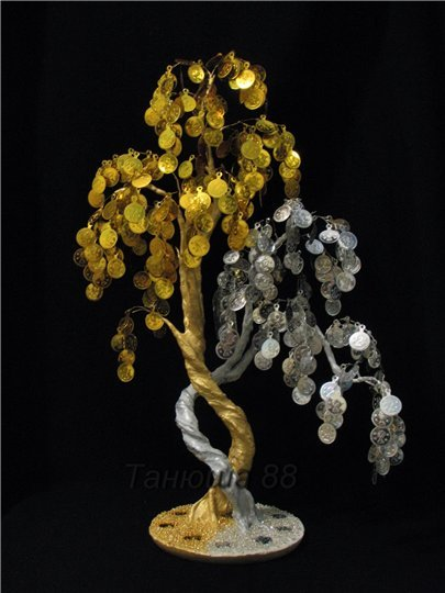 Денежное дерево из монет и бисера