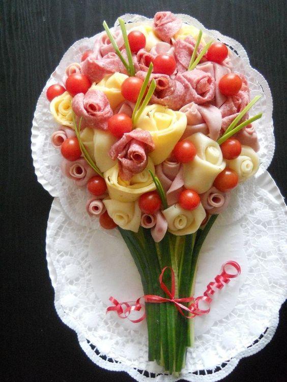 закуска-цветы из колбасы