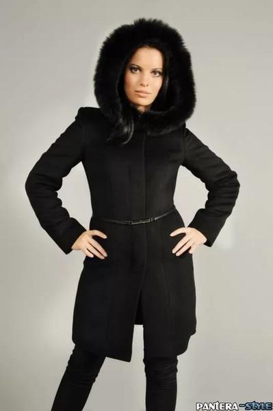 Зимнее пальто с капюшоном женское