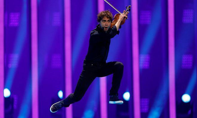 Триумфатор конкурса Евровидение - белорус Александр Рыбак, представляющий Норвегию, в...