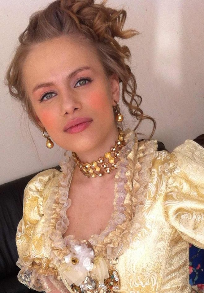Голая и очень сексапильная Виктория Клинкова на бесплатных фотках и видео