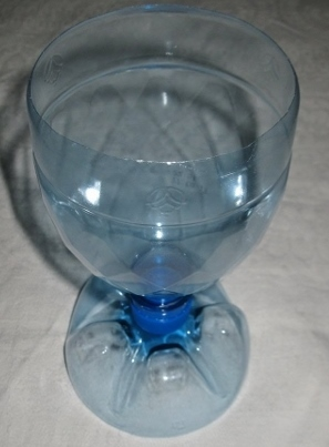 Как сделать стакан из бутылок