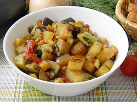 блюдо из кабачков и баклажанов