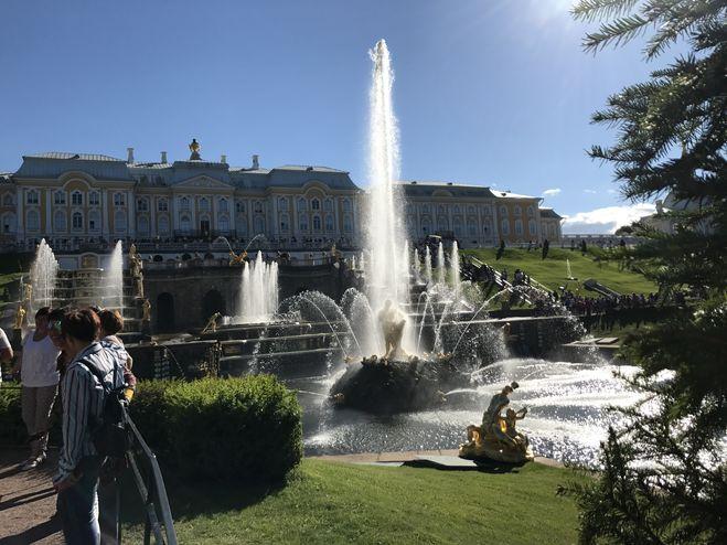 когда включат фонтаны в петергофе 2018 год дата открытия санкт петербург