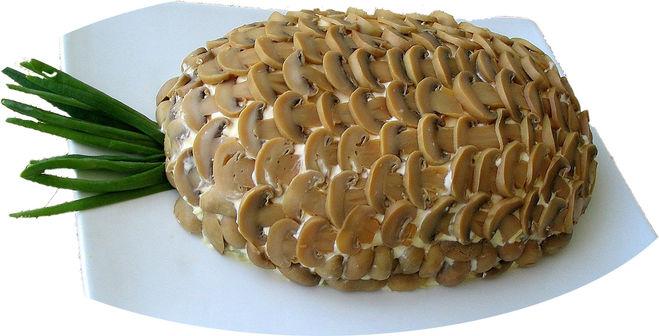 салат с ананасами и грибами фото