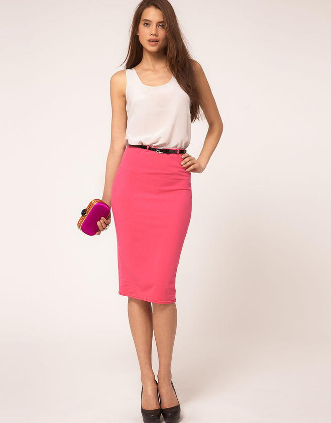 Малиновая юбка карандаш