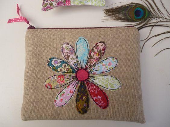 цветы из ткани аппликация на подушке своими руками