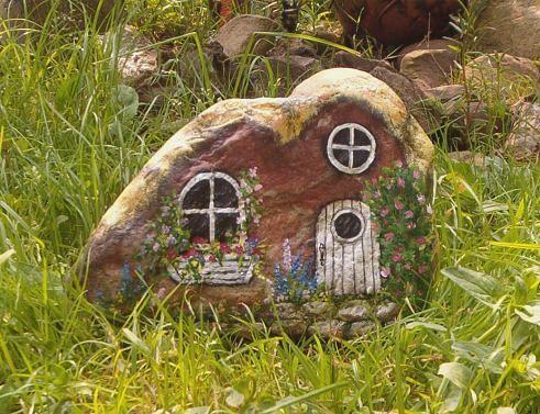сказочный домик для феи из камушка