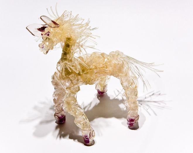 лошадь из капельницы