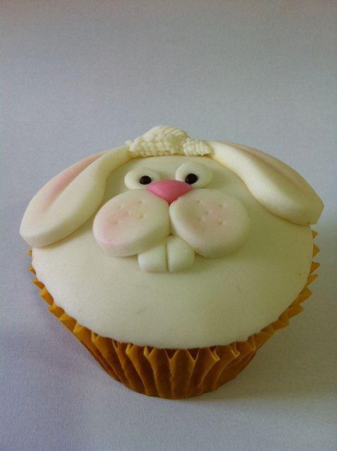 капкейк с зайцем